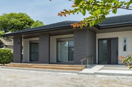 収納率27.91%!総タイル貼りの豪華な平屋建てが完成しました