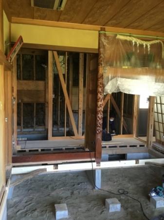 旭市にてリフォーム工事中!築33年化粧造りのお家☆クロス下地が施工されました。