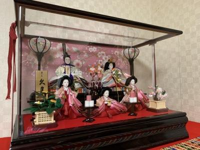 3つのひな人形